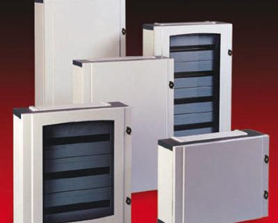 Armadi-di-distribuzione-da-parete-e-da-incasso-IP40-e-IP65-serie-virgo